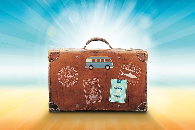 nálepky na kufru