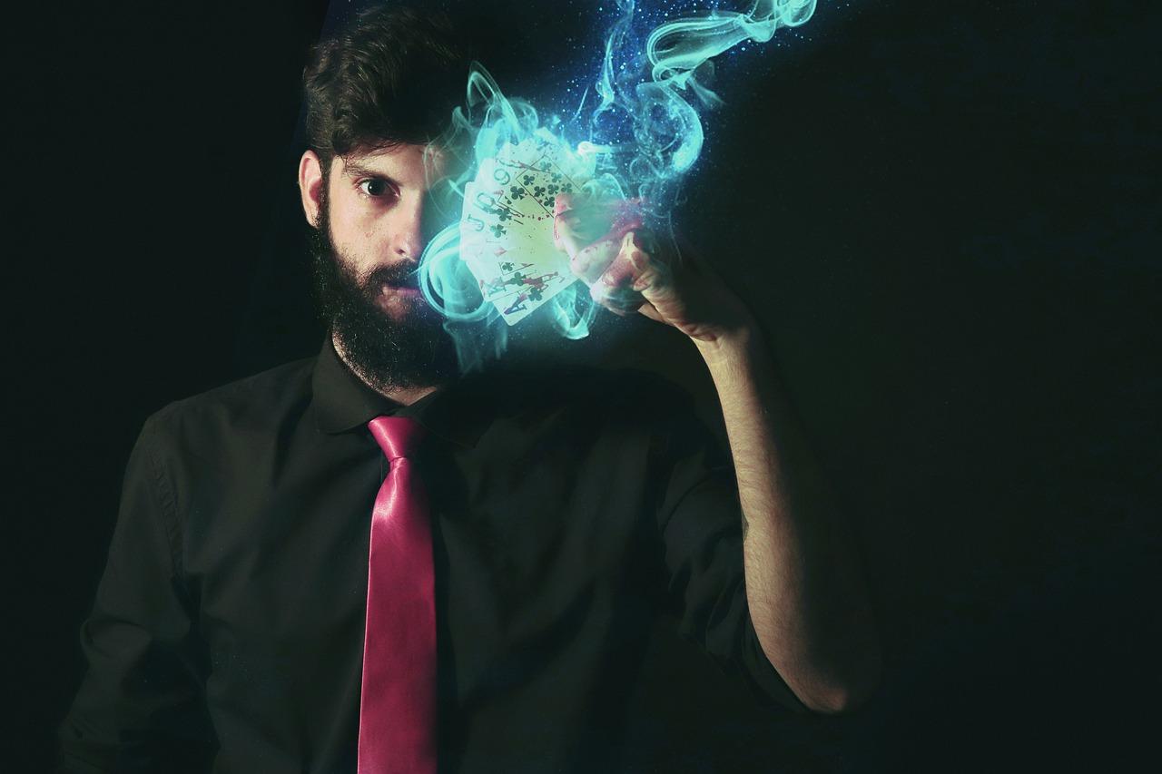 magician-4827786_1280